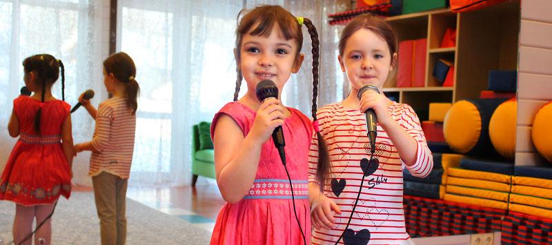 Приглашаем на занятия по вокалу в детской студии «Ля Мезон»